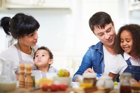 Familia gracias a la adopción