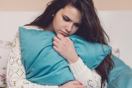 Chica con embarazo en la adolescencia